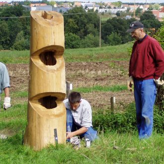 Durchbruch II - Fichte 180 x 50 x 50 cm - 2006 - Aufbau Kunstweg Barthelmesaurach