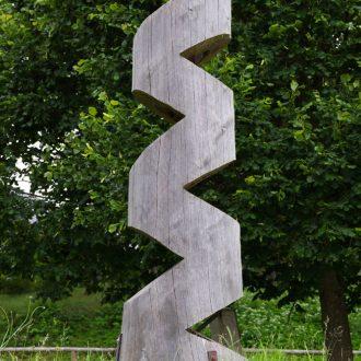 Durchbruch II - Fichte 180 x 50 x 50 cm - 2006 - Kunstweg Barthelmesaurach