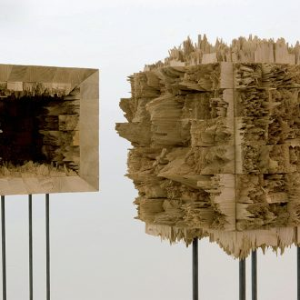Kubus I und II - gebrochene Eiche - 2012 - 40 x 40 x 40 cm