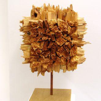 Kubus V - 2014 - gespaltene und gebrochene Robinie - 24 x 36 x 60 cm