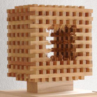 Kubus IV - gespaltene und gebrochene Kiefer - 2014 - 35 x 35 x 35 cm