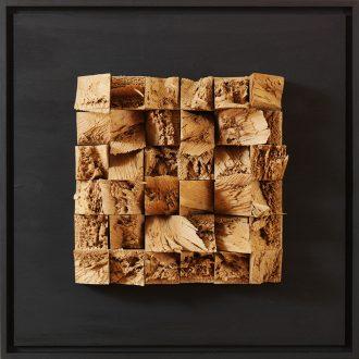 Holzlandschaft Eiche II - gespaltenes Holz auf Trägerplatte - 2009 - 52 x 52 cm