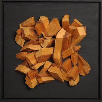 Holzlandschaft Kiefer - gespaltenes Holz auf Trägerplatte - 2009 - 52 x 52 cm