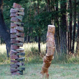 Baummetamorphose I - Kiefer - 2006 - 6 Stelen ca. 25 x 25 x 180 cm Kunstweg Barthelmesaurach