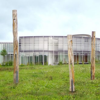 Spiralsäulen - Kiefer ca. 550/340/280 x 30 x 30 cm - 2005/6 - Aufbau Kunstweg Barthelmesaurach